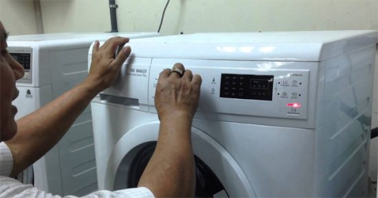 cach-test-loi-may-giat-electrolux