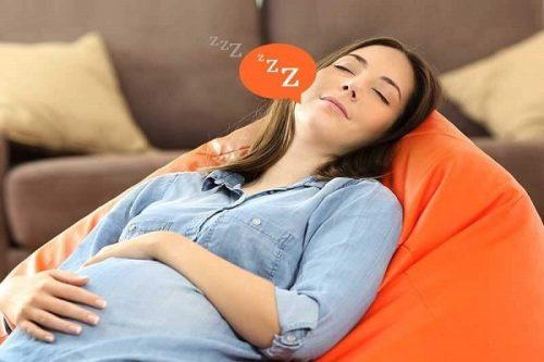 mơ thấy mình mang thai đánh con gì