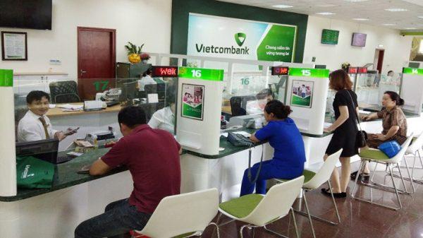 ngan-hang-vietcombank-long-bien
